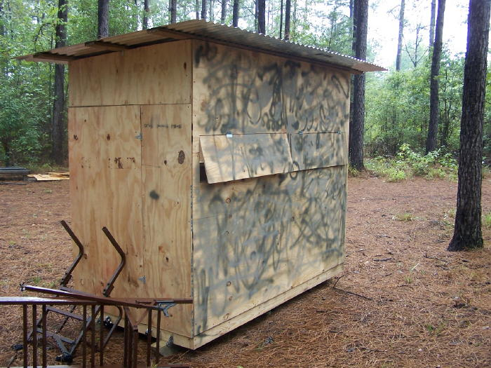A diy guide on building a box blind hunting blind deer for Deer ground blind plans